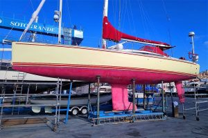 2010-launched Maxi 1300 'CAPTAIN COOK' for sale 034