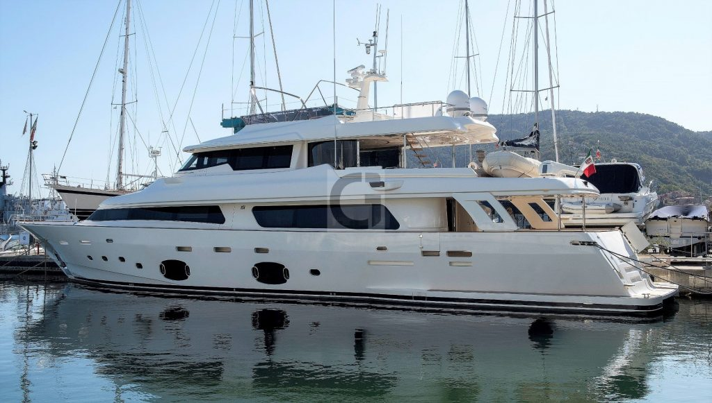2015 Custom Line Navetta 33m 'LADY ZOYA' for sale 001