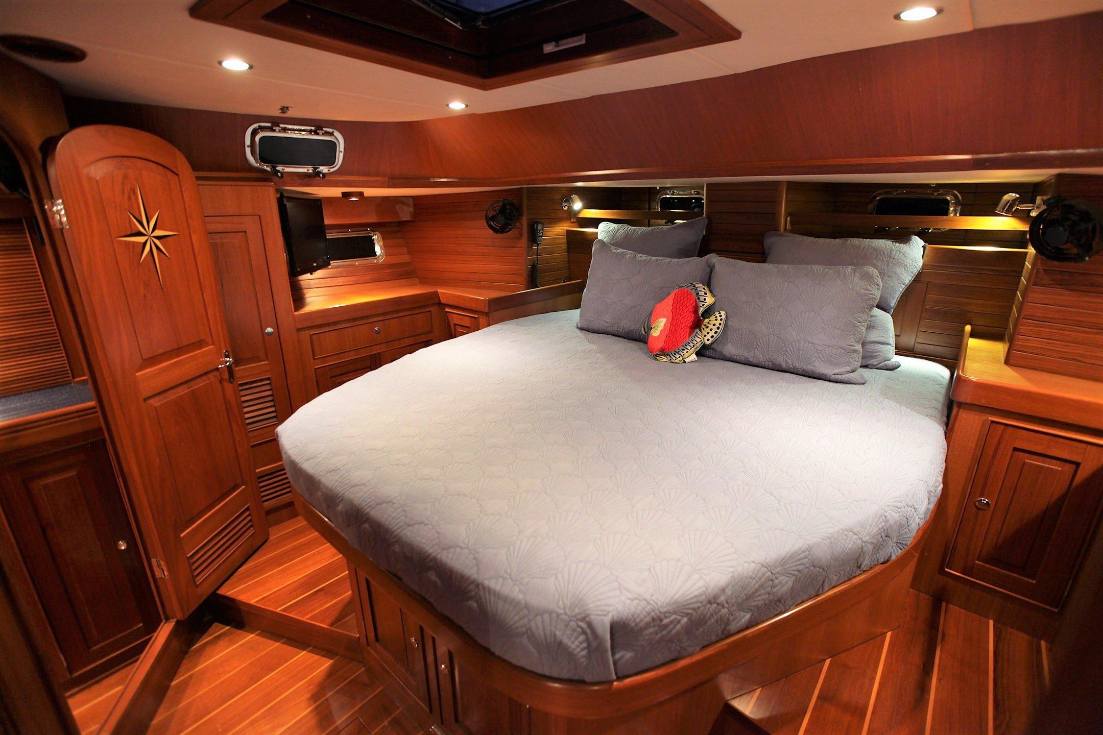 Hylas 56 Aft Cabin