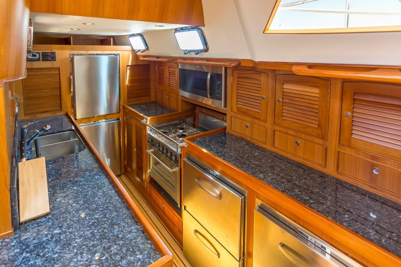 Hylas 70 Galley
