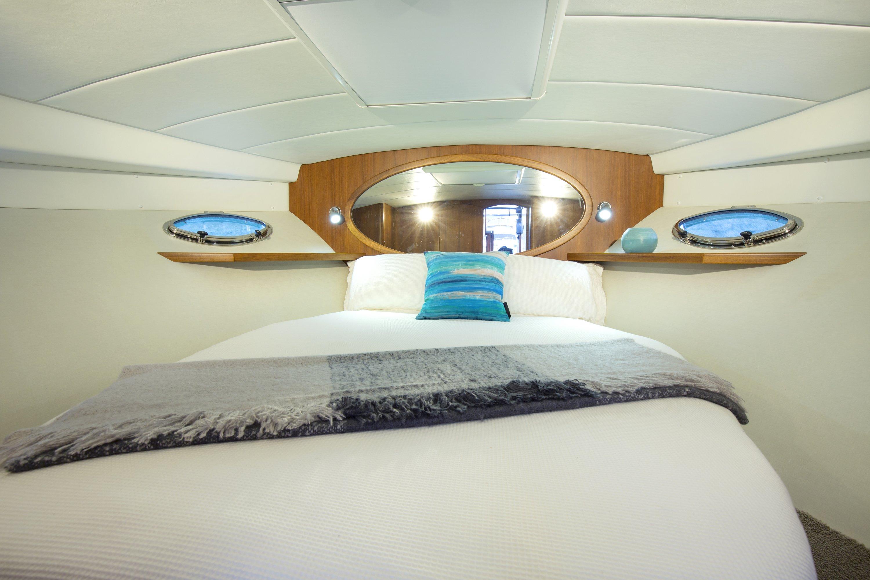 Hylas M44 Master Cabin