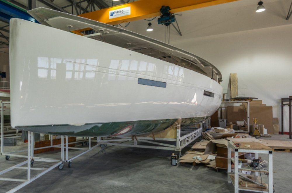 More Boats 55 hull and deck joining
