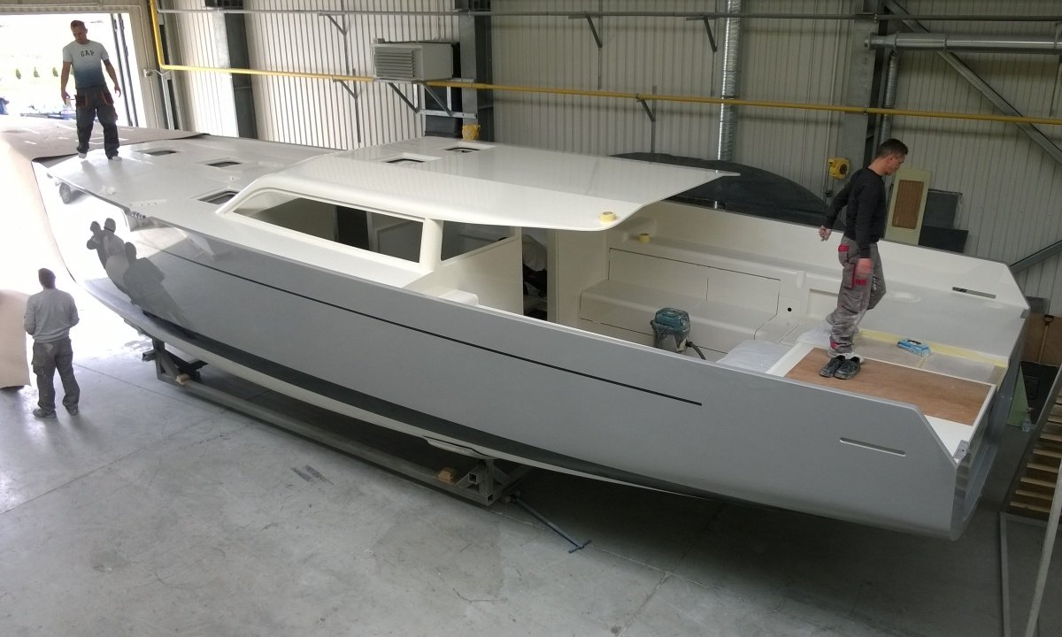Vismara V52DS under construction