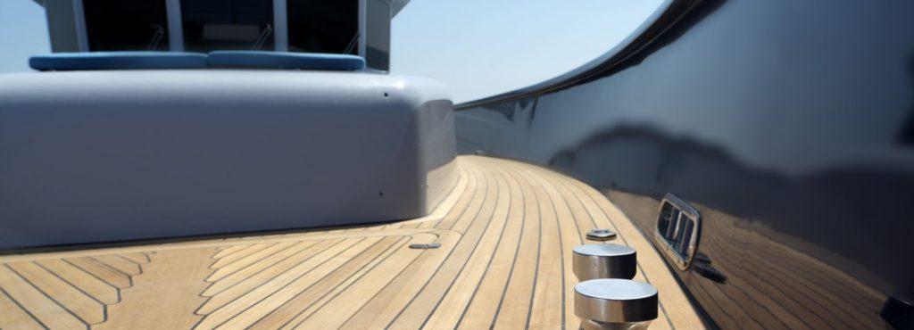 Vismara MY68 Navetta on deck spaces