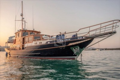 Price Reduction - 2004 Oliver Classic 20m TSDY