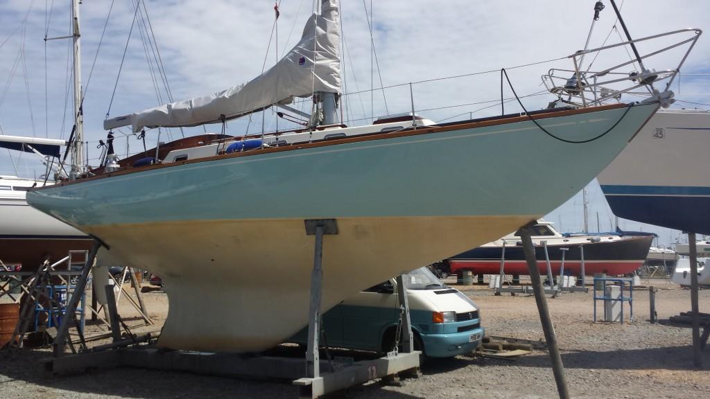 Choosing a Blue Water Yacht - Keel Type | Grabau International