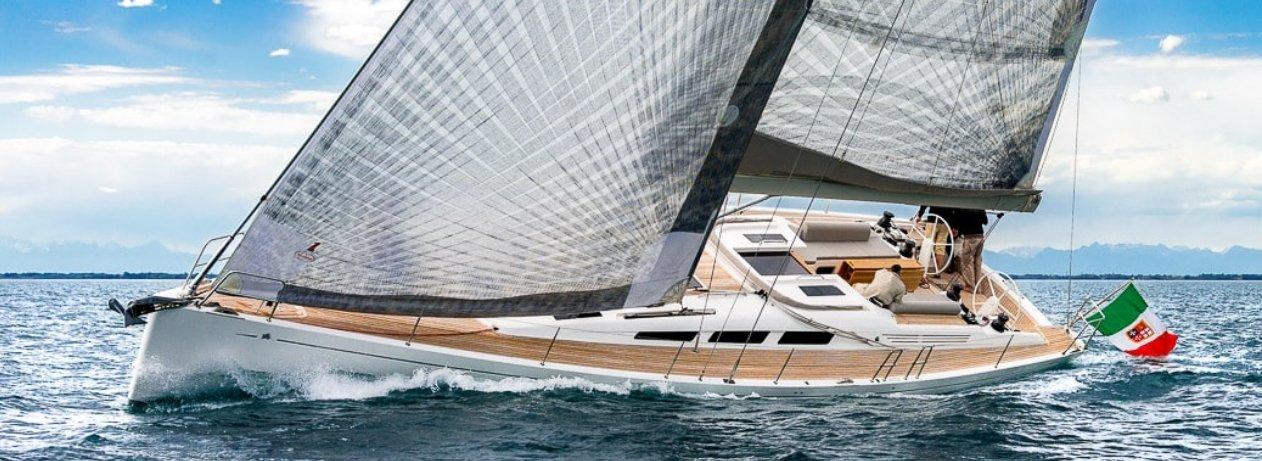 Italia-Yachts-slide