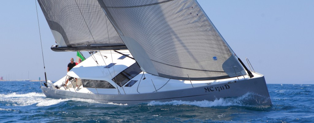 Vismara V52DS Pret a Porter beating to windward