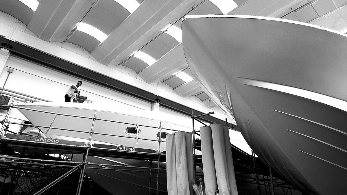 Custom Made 100% Italian Yachts